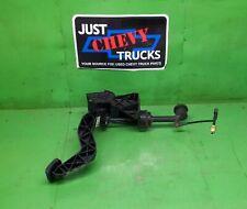 99 06 GMC Sierra Chevy Silverado Standard Transmission Clutch Pedal Assembly