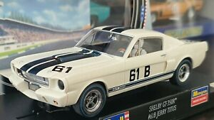 REVELL 08371 SHELBY GT-350R-SCCA 1965-MINT IN ORIGINAL BOX-SUIT SCALEXTRIC