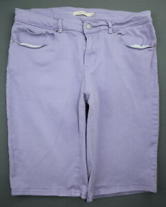 Women's 2014 Levi's Jean Bermuda Shorts Stretch Lavender Size 30 (Measure 32x12)