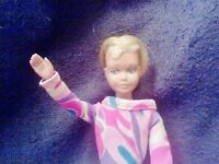 SKIPPER DOLL, BARBIE FAMILY. RARE , #1 MODEL! 1963 with BLONDE, BLUE EYES, VGC