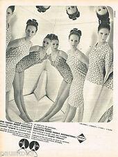PUBLICITE ADVERTISING 055  1966  GUITARE  pyjama robe de nuit sous vetements