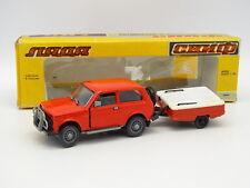 Russie 1/43 - Lada Niva Rouge + Remorque