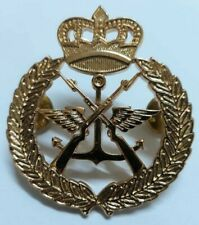 Kuwait army beret military army special forces emblem insignia badge pin rare