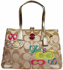 Coach Women's Tote and Shopper Bags