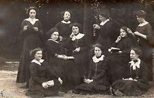 BL772 Carte Photo vintage card RPPC Femme groupe habits identique uniforme