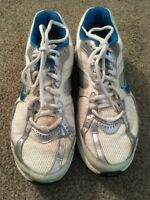 Nike Dart 7 Womens White/Blue/Silver Running Shoes 354138-142, Size 10