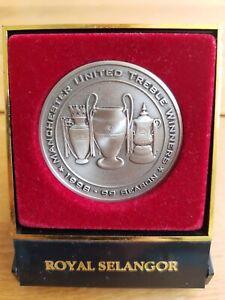 Manchester United 1998 / 1999 Treble Winners Royal Selangor Coin / Medal