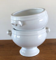 Crate & Barrel White Porcelain Soup Bowl Set (2) Pedestal Footed Handled EUC!
