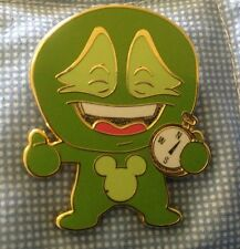 Deebees Thrillee Discovery Mystery Gold Finish Green Compass Disney Pin Wdw Auth