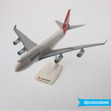 Qantas Boeing 747-400 Jumbo Jet VH-OJA 1:250 Plastic Model Replica 747 Aircraft