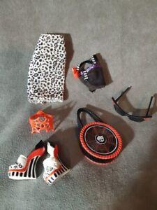 """MONSTER HIGH ACCESORIOS. OUTFIT de Muñeca OPERETTA VONDERGEIST """"pack Fashion"""""""