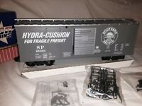 G Scale USA Trains R19202C Southern Pacific Hydra Cushion 40' Steel Boxcar RARE