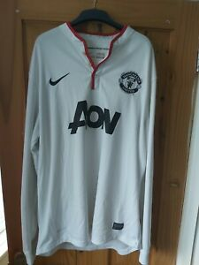 Manchester united shirt. 2012 away long sleeve 2 snags on back but vg used con.