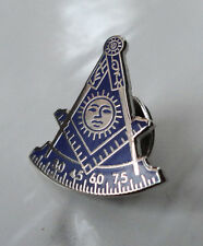 ZP228 Freemason Masonic lapel pin badge Geometry Compass Blue Silver background