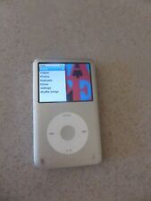 Apple iPod classic 5th Generation Silver (80 GB) & 500 Songs