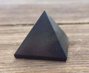 NATURAL BLACK TOURMALINE MEDIUM GEMSTONE PYRAMID 27-30mm