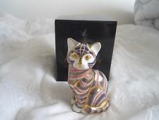 ROYAL CROWN DERBY IMARI CAT PAPERWEIGHT - FIRST QUALITY WITH GOLD STOPPER