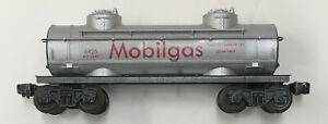 Lionel Madison Hardware 6426 Mobilgas tank car replica