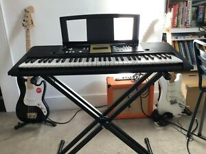 Yamaha keyboard YPT-220 + height-adjustable Stagg stand - vgc London N5