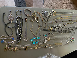 GOLD SILVER TONE JEWELRY NECKLACE 23 LOT VINTAGE TO NOW Avon White House Premier