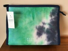 BARNEYS New York LARGE COSMETIC BAG blue & green Top ZIPPER Pull NWT New BNY