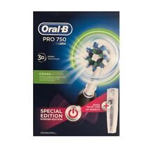 Braun Oral-B PRO 750 Black + gratis Reiseetui Limitierte Edition 3D CrossAction