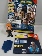 DR Who Character Building micro figures series 3 - Amy Pond w/ Face markings