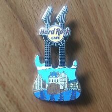 Hard Rock Cafe HAMBURG City Pin Doubleneck Gitarre Speicherstadt