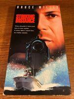 Striking Distance VHS VCR Video  Movie  Bruce Willis  Sarah Jessica Parker Used