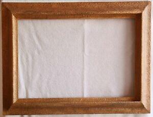 Ancien Cadre pour tableau en Bois et Plâtre doré Dimensions logement 62 x 40 cm.