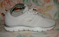 """Women's White SKECHERS """"SKECH-KNIT"""" """"Air Cooled"""" Sneakers Size 6 M GREAT Conditi"""