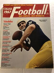 1967 STREET and SMITH's Notre Dame IRISH Terry HANRATTY 240+ College Football