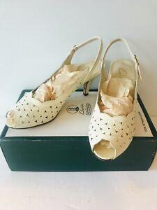Vintage Clarks Honor Polished Creme Leather Peep Toe Slingback Shoes UK 4.5