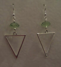 ELEGANT TRIANGLE SPEAR SILVER PLATED DROP EARRINGS LIME GREEN FACETED BEAD hook
