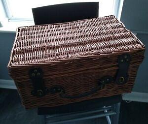 Empty picnic / Gift Hamper Basket Storage box