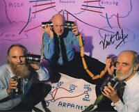 VINT CERF SIGNED AUTOGRAPH  8X10 PHOTO  INVENTOR CREATOR OF THE INTERNET GOOGLE