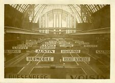 """SALON DE L'AUTOMOBILE 1931 : Préparatifs"" Photo originale G. DEVRED (Agce ROL)"