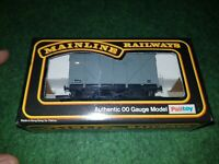 OO Gauge Mainline 37431 Grey BR 12 Ton Vent Van W133971 Wagon boxed