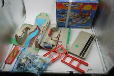 VINTAGE Galoob Micro Machines SUPER CITY TOOLBOX PLAYSET 95% complete