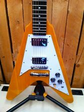 Tokai Flying V Vintage naturalcGreat quality deluxe bag  Great guitar