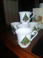 SEAGULL CHINA ~CHRISTMAS TREE CUPS LOT OF 4 GOLD RIMMED VINTAGE FREE SHIPPING
