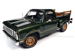 Auto World American Muscle 30th Anniversary 1977 Dodge Warlock 1/18 AMM1243