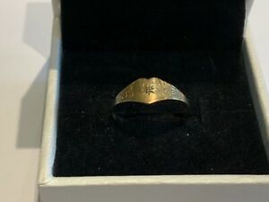 Small Stunning 9ct Gold Heart CZ Ring Size M Girls Signet