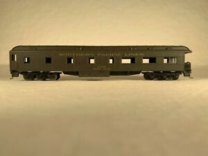 ATHEARN 1873, SOUTHERN PACIFIC OBSERVATION CAR 'WEBER MILLE' #2907 - KADEE CPLRS