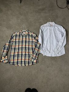 2 Levi's Long Sleeve Button Up Shirt Men's Size Medium.