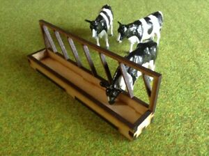 Woody Farm Building. MMBFBWT-01 Feed Barrier with trough 1.32 scale pack of 3