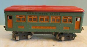 Vintage, 607 Lionel lines metal  Pullman Passenger Car, green w/red top