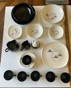 """Edwin Knowles MCM vitreous china """"FLAIR"""" modern black and white 1959, 36 pieces!"""