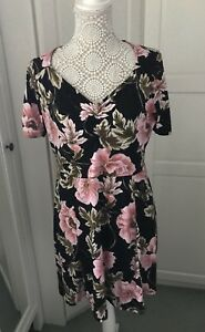 Stunning V By Very Black Floral SkaterDress With Cut Out Back Size 16