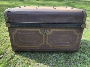 Vintage Metal Tin Steamer Trunk Chest Storage Coffee Table